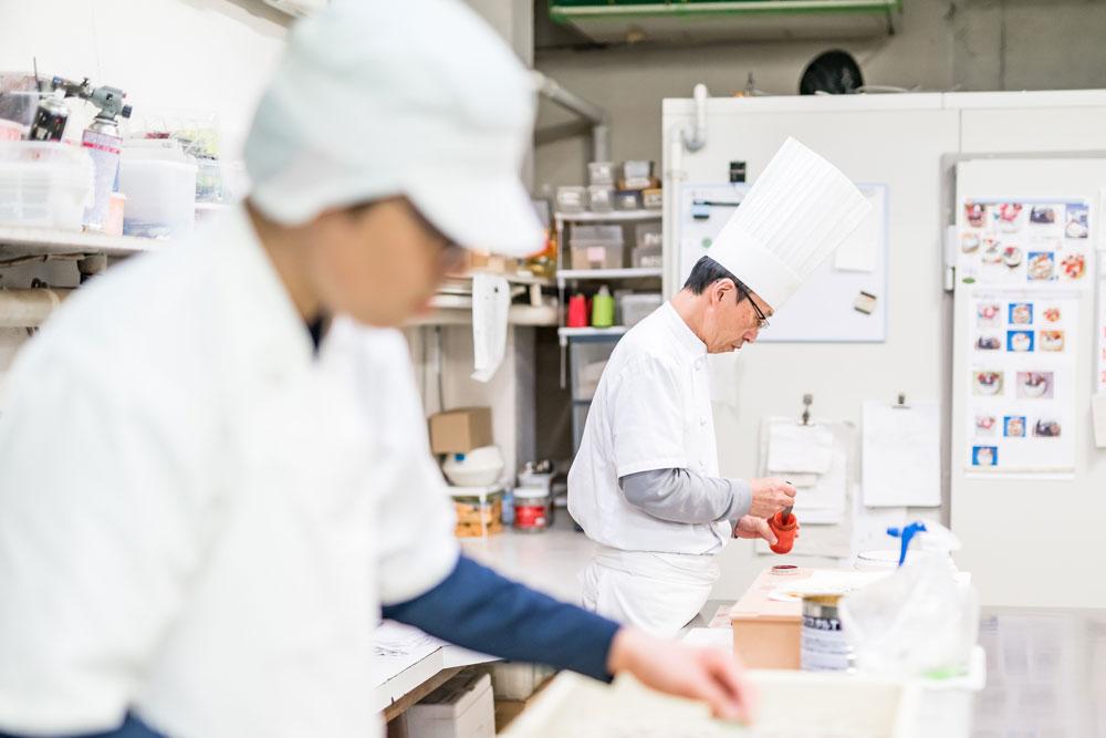 早川ベーカリー ケーキ作りの現場