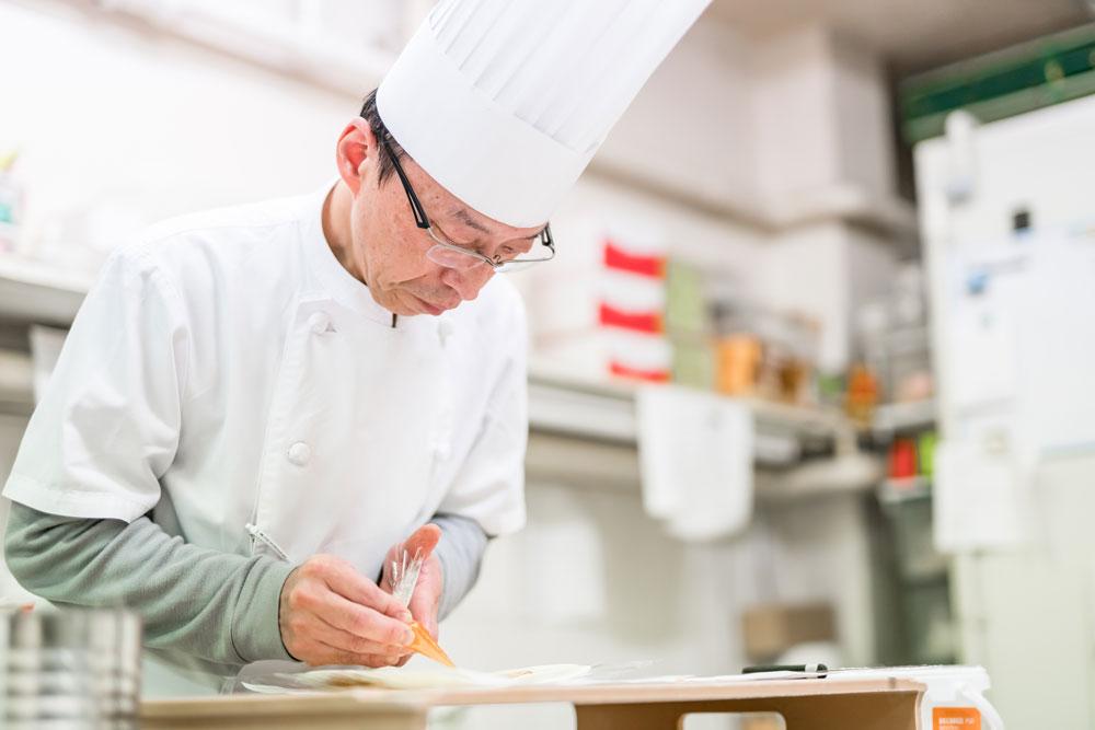 早川ベーカリー 特別な日のためのケーキ作り